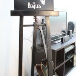 leoque-easel-display-stand-2