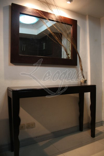 Beautiful Console Table with Mirror 400 x 600 · 33 kB · jpeg