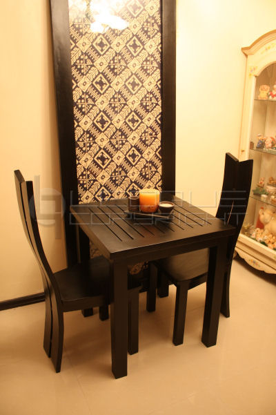Top Two-Seater Dining Room Table 400 x 601 · 66 kB · jpeg