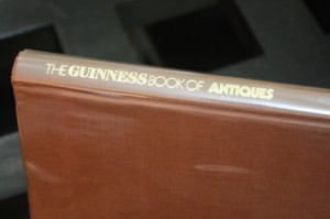 the-guinness-book-of-antiques (1)