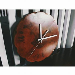 Wood clock : Leoque Collection – One Look, One Collection