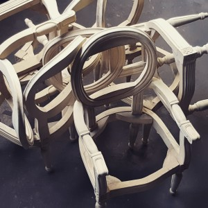 Project: Upholstered dining chairs with wood carving